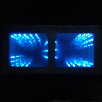 Table LED trompe-l'oeil