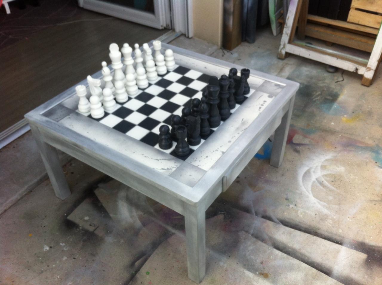 Table d'échec argentée