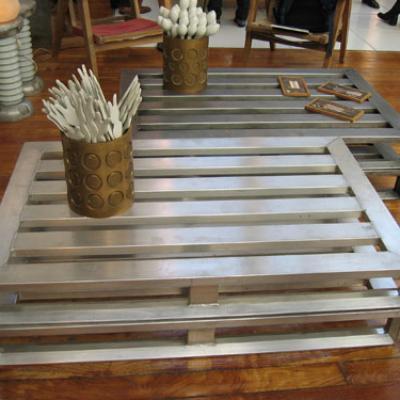 jpg_table-acier-brosse